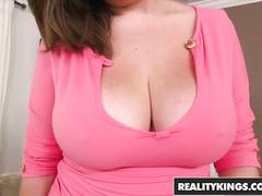 Yummy plump Czech girl Eliska Nikola loves fuck with big dick